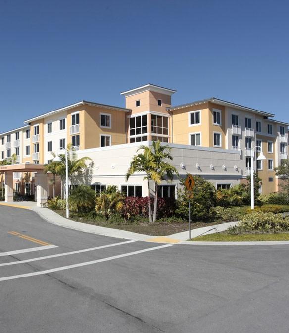 Douglas Gardens Health - Pembroke Pines, FL